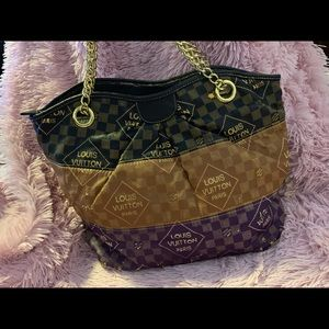 Louis Vuitton bag used but still great bag